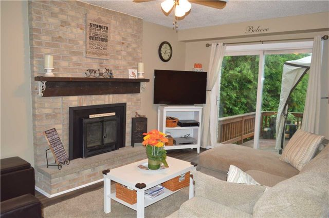 Detached at 45 Valley Mills Rd, East Gwillimbury, Ontario. Image 20