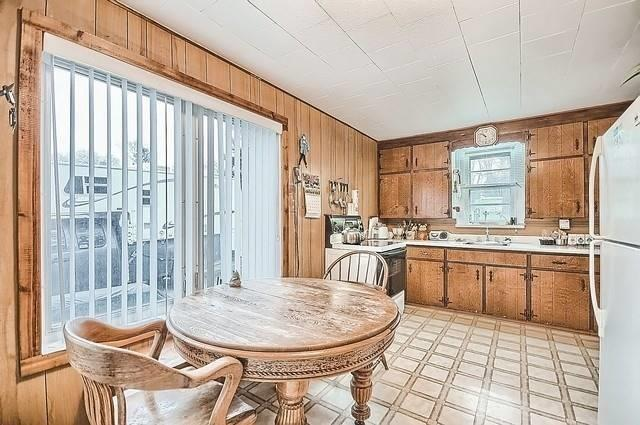 Detached at 19336 Holland Landing Rd, East Gwillimbury, Ontario. Image 17