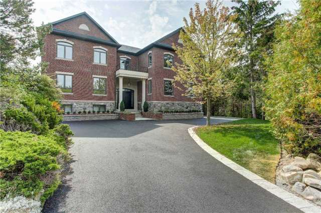 Detached at 219 Cavell Ave, King, Ontario. Image 1