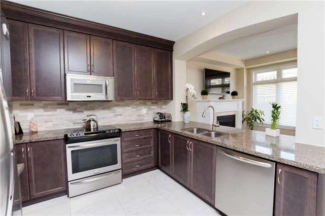 Townhouse at 42 Wells Orchard Cres, King, Ontario. Image 16