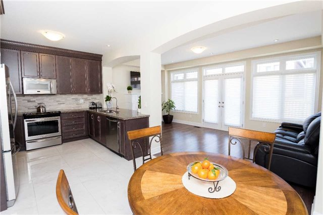 Townhouse at 42 Wells Orchard Cres, King, Ontario. Image 17