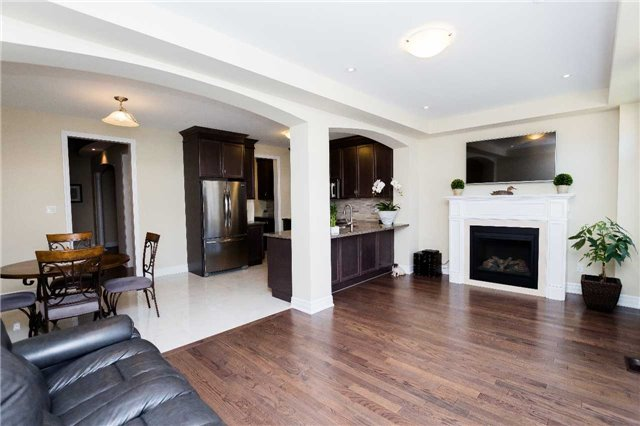Townhouse at 42 Wells Orchard Cres, King, Ontario. Image 18