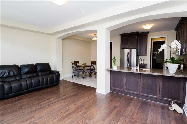 Townhouse at 42 Wells Orchard Cres, King, Ontario. Image 19