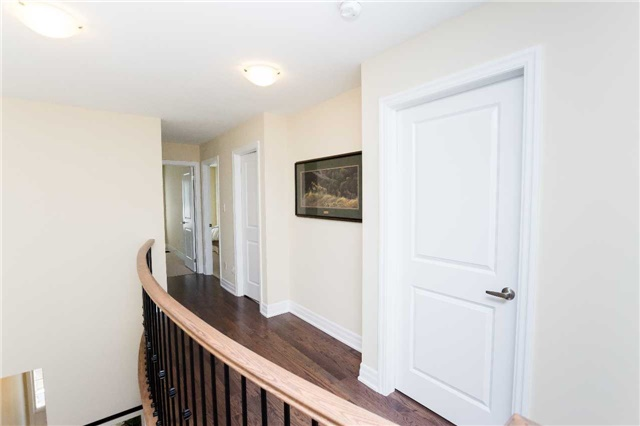 Townhouse at 42 Wells Orchard Cres, King, Ontario. Image 2