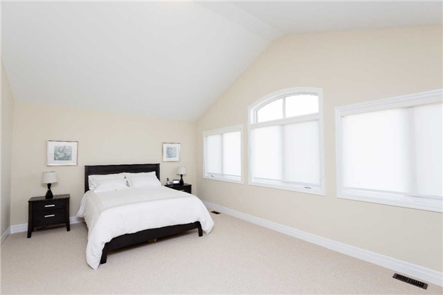 Townhouse at 42 Wells Orchard Cres, King, Ontario. Image 4