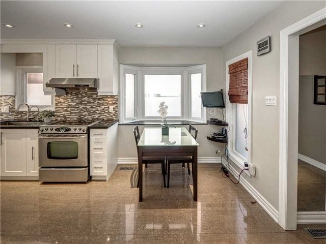 Link at 102 Clarion Cres, Markham, Ontario. Image 16