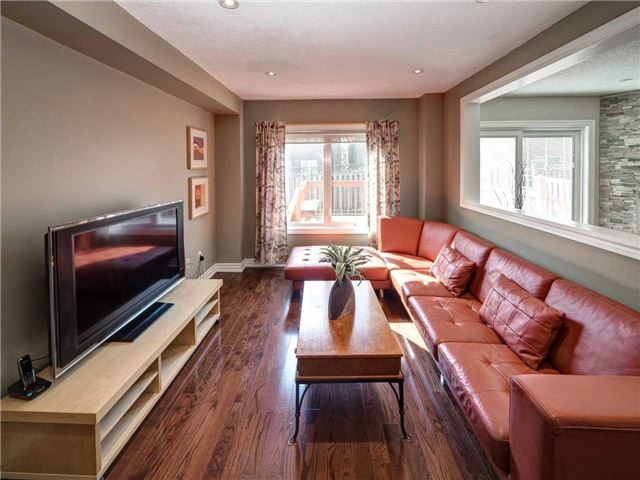 Link at 102 Clarion Cres, Markham, Ontario. Image 19