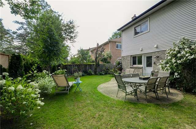 Detached at 377 Harewood Blvd, Newmarket, Ontario. Image 11