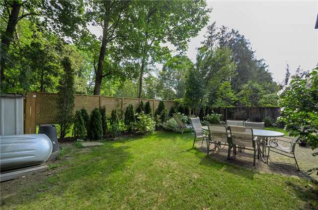 Detached at 377 Harewood Blvd, Newmarket, Ontario. Image 13