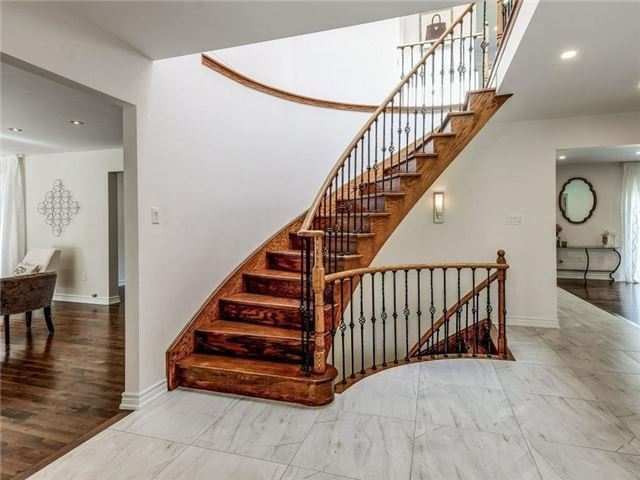 Detached at 1 Ritter Cres, Markham, Ontario. Image 14