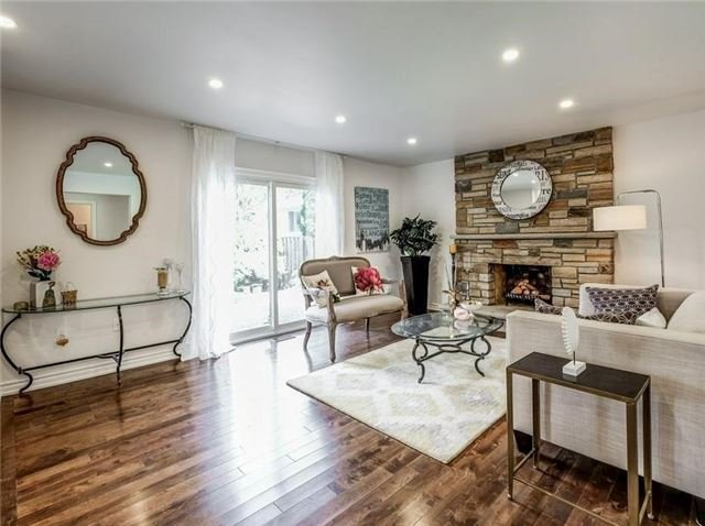 Detached at 1 Ritter Cres, Markham, Ontario. Image 4