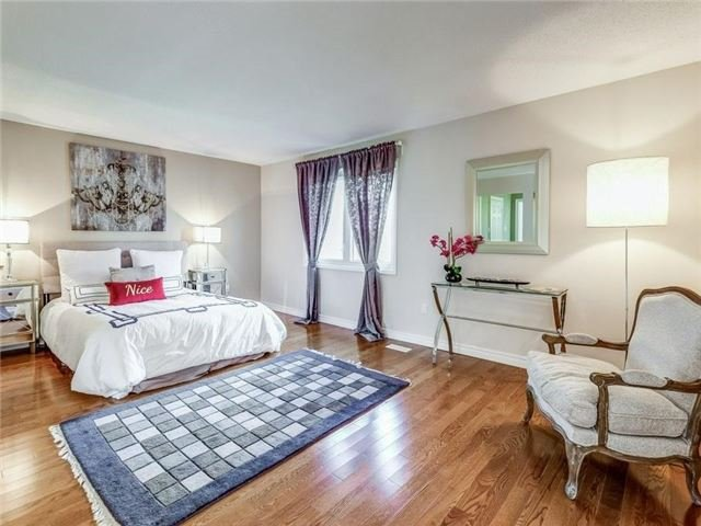 Detached at 1 Ritter Cres, Markham, Ontario. Image 5