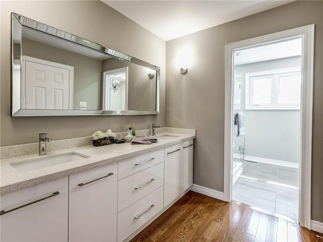 Detached at 1 Ritter Cres, Markham, Ontario. Image 6