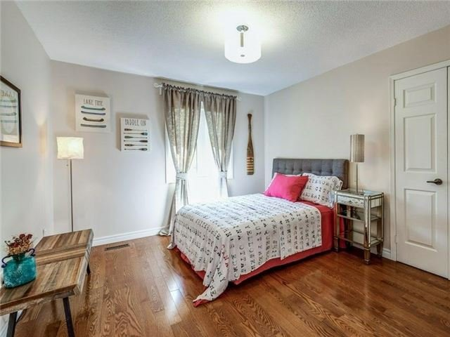 Detached at 1 Ritter Cres, Markham, Ontario. Image 8