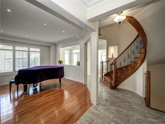 Detached at 158 Jefferson Forest Dr, Richmond Hill, Ontario. Image 14
