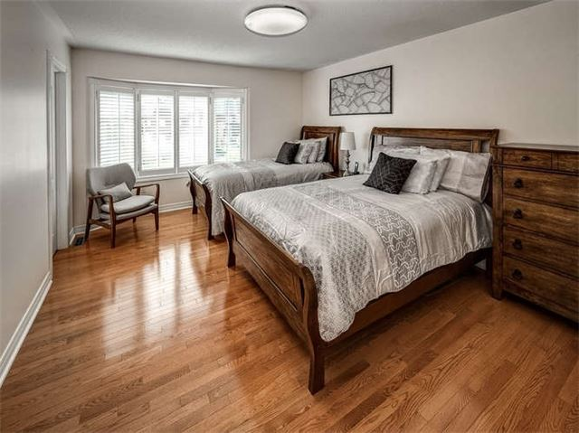 Detached at 158 Jefferson Forest Dr, Richmond Hill, Ontario. Image 5