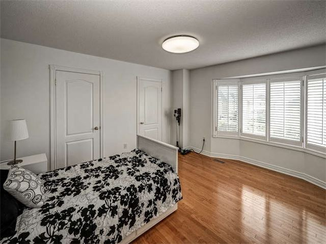 Detached at 158 Jefferson Forest Dr, Richmond Hill, Ontario. Image 7