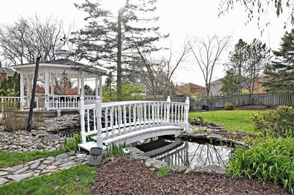 Detached at 117 Coon's Rd, Richmond Hill, Ontario. Image 11