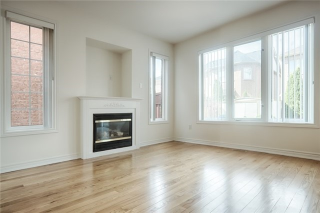 Link at 59 Cider Cres, Richmond Hill, Ontario. Image 12