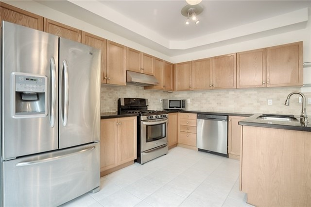 Link at 59 Cider Cres, Richmond Hill, Ontario. Image 14