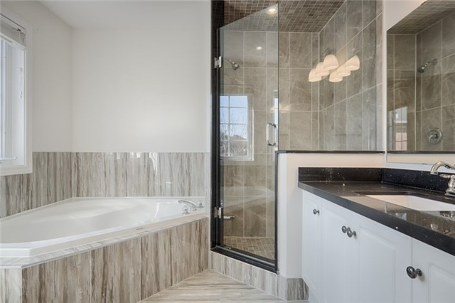 Link at 59 Cider Cres, Richmond Hill, Ontario. Image 3