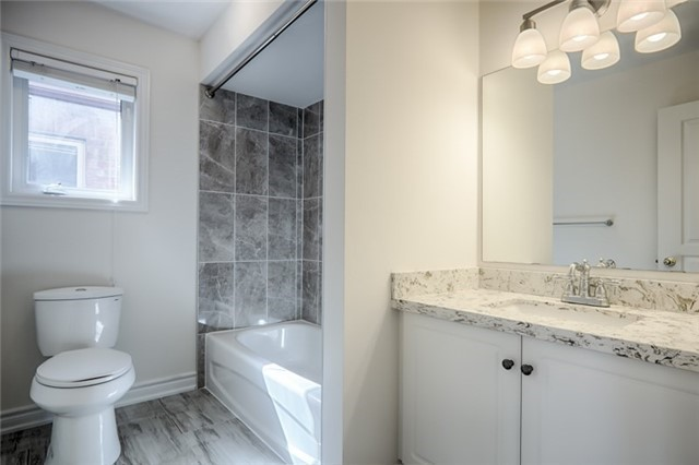 Link at 59 Cider Cres, Richmond Hill, Ontario. Image 5