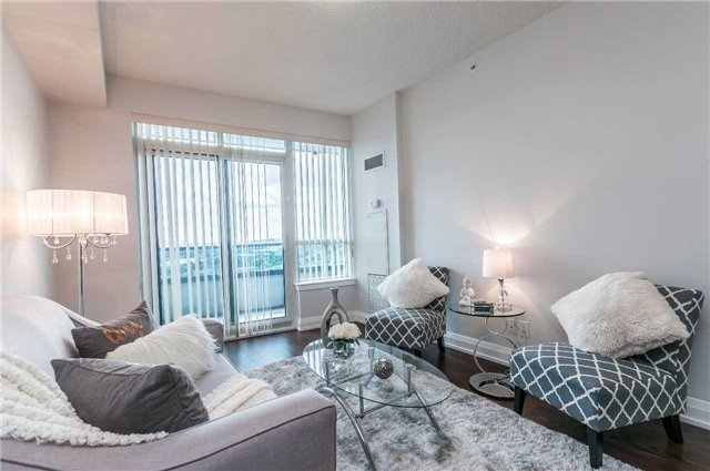 Condo Apartment at 7171 Yonge St, Unit 1609, Markham, Ontario. Image 2