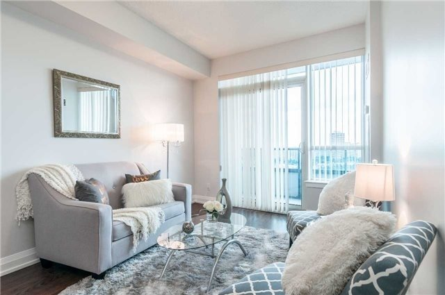 Condo Apartment at 7171 Yonge St, Unit 1609, Markham, Ontario. Image 3