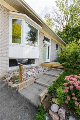 Detached at 97 Millard Ave, Newmarket, Ontario. Image 11