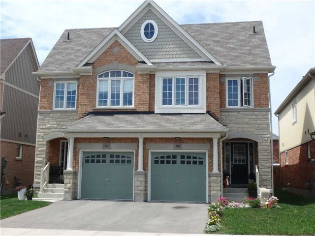 Semi-detached at 98 Russel Dr, Bradford West Gwillimbury, Ontario. Image 1
