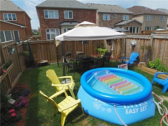 Semi-detached at 98 Russel Dr, Bradford West Gwillimbury, Ontario. Image 6