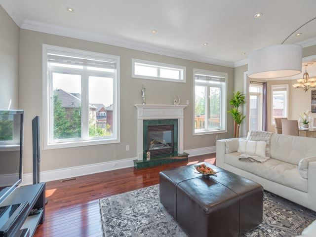 Detached at 204 Jefferson Forest Dr, Richmond Hill, Ontario. Image 16