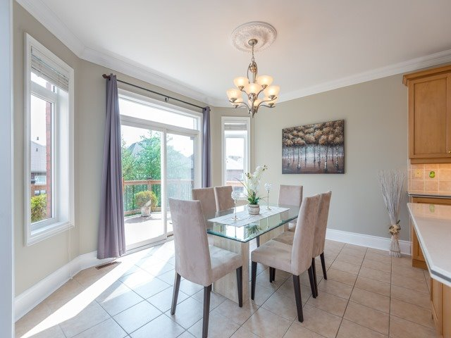 Detached at 204 Jefferson Forest Dr, Richmond Hill, Ontario. Image 17