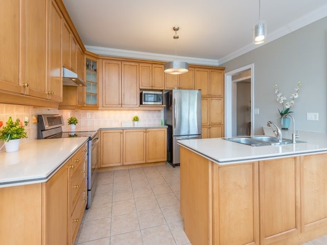 Detached at 204 Jefferson Forest Dr, Richmond Hill, Ontario. Image 18