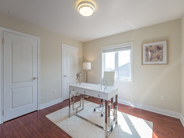Detached at 204 Jefferson Forest Dr, Richmond Hill, Ontario. Image 5