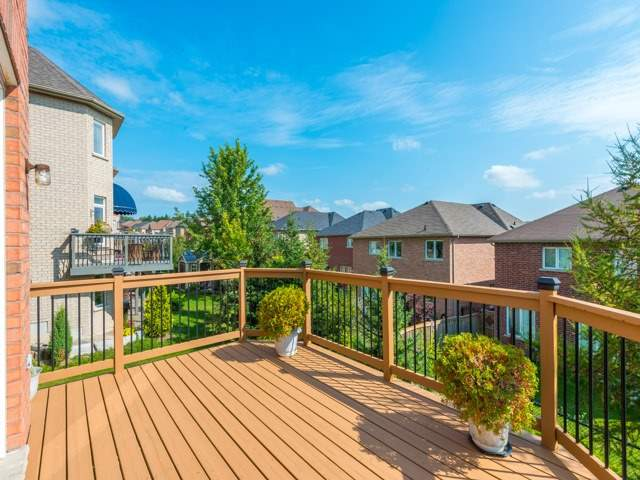 Detached at 204 Jefferson Forest Dr, Richmond Hill, Ontario. Image 11