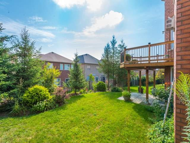 Detached at 204 Jefferson Forest Dr, Richmond Hill, Ontario. Image 13