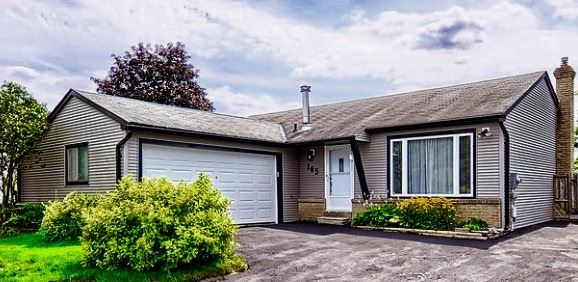 Detached at 165 Hilltop Dr, East Gwillimbury, Ontario. Image 1