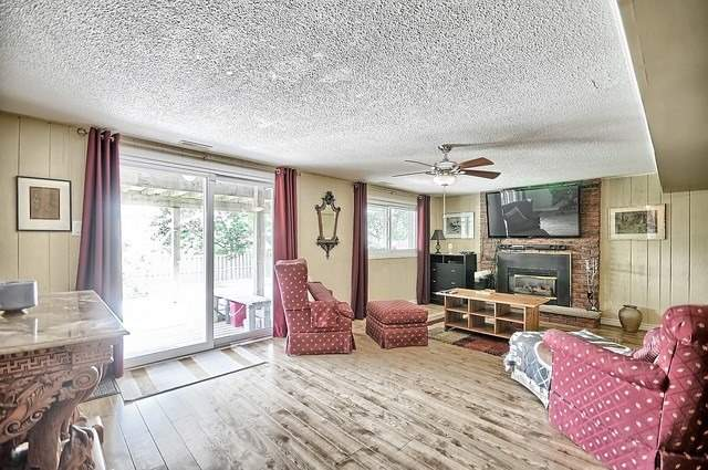 Detached at 165 Hilltop Dr, East Gwillimbury, Ontario. Image 6