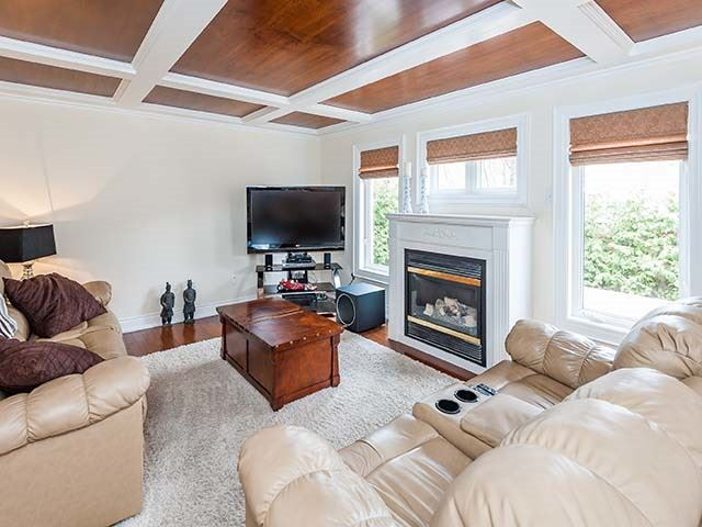 Detached at 283 Paxton Cres, Newmarket, Ontario. Image 3