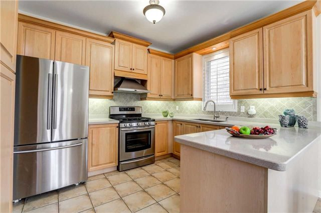 Detached at 24 Emery Hill Blvd, Markham, Ontario. Image 4