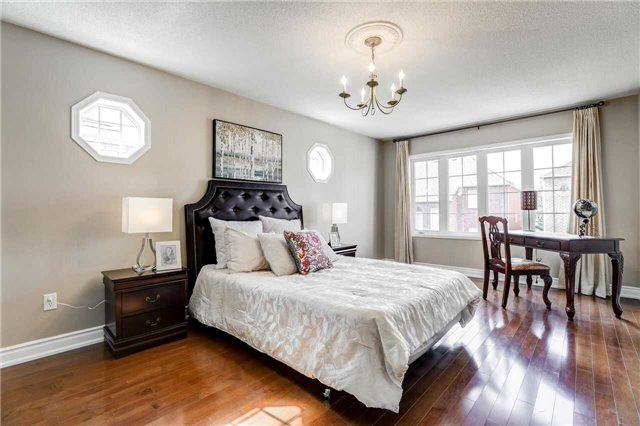 Detached at 24 Emery Hill Blvd, Markham, Ontario. Image 6
