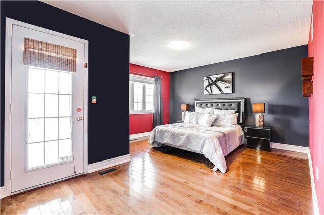 Detached at 24 Emery Hill Blvd, Markham, Ontario. Image 8