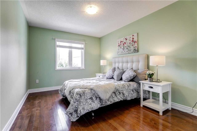 Detached at 24 Emery Hill Blvd, Markham, Ontario. Image 11
