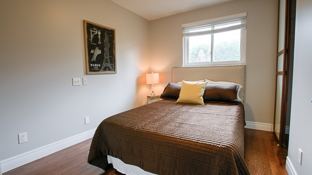 Detached at 103 Romfield Crct, Markham, Ontario. Image 2