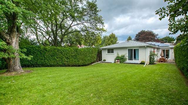 Detached at 103 Romfield Crct, Markham, Ontario. Image 9