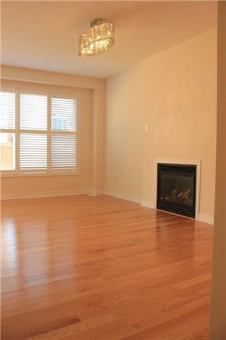 Link at 55 Holst Ave, Markham, Ontario. Image 13