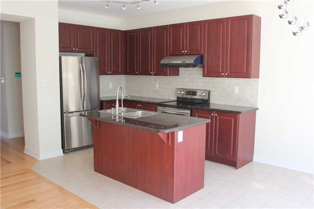 Link at 55 Holst Ave, Markham, Ontario. Image 15