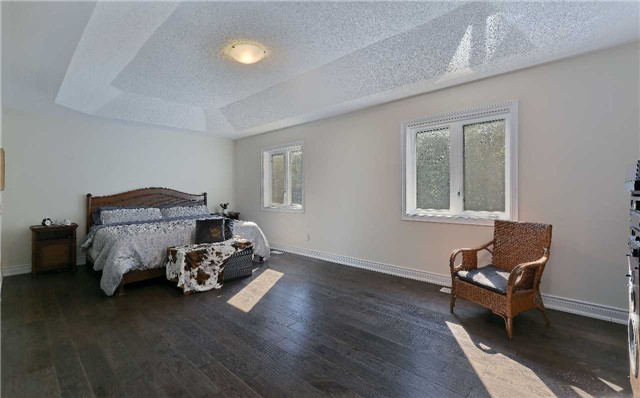 Detached at 32 Pheasant Dr, Richmond Hill, Ontario. Image 5