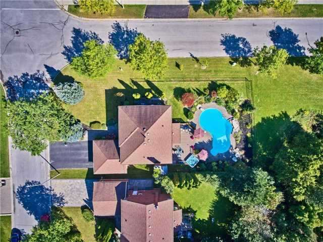 Detached at 70 Mcclenny Dr, Aurora, Ontario. Image 14